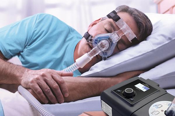 打鼾睡眠呼吸暂停戴呼吸机好还是手术治疗好?